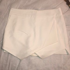White envelope skort